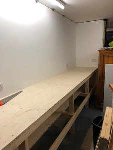 5 Rear wall bench